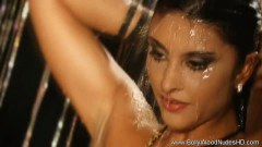 Bollywood Babe In Nude Cleansing Time - duration 07:59