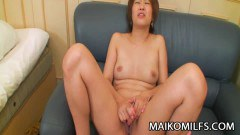 Japanese MILF Masturbating With Her Toys - duration 05:59