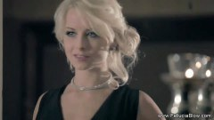 Glamorous blonde does a great fellatio - duration 06:59