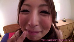 Cute Japanese Chick Gets Facial - duration 07:59