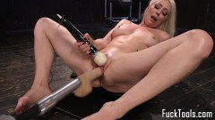 Lorelei Lee hot blonde MILF gets toyed by a fuck machine  - duration 09:59