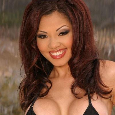 Pornstar babe Adrenalynn takes off her bikini to masturbate № 1349121 без смс