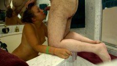 Pissing fetish in the bathtub