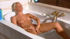 Sweet blonde shaving and masturbating