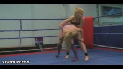 Pretty babes draw wrestle fighting to orgasm