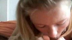 Amateur teen girlfriend sucking cock