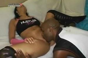Small boobed ebony slut gets eaten out