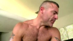 Hot straight dude toying a hot bears ass