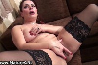 Sexy Dutch mature lady masturbating