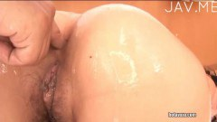 Horny japanese diva gets her ass toyed before sucking on dick