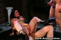 Tattooed chick gets double penetration in here