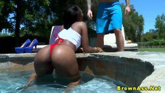 Black babe gets her ass pumped outdoors