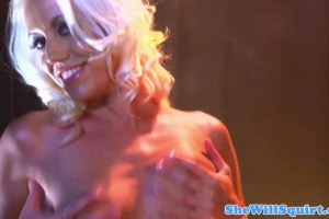 Aroused glam blondie fucked so hard