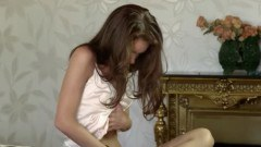 Sweet yummy brunette with unbelievable body - duration 07:04