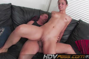 Sweetie Amber Rayne deepthroating dick and taking it in the ass
