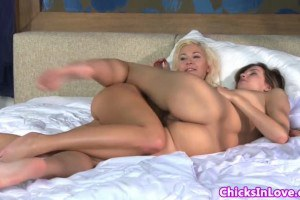 Gorgeous babes making out