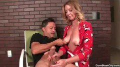 Horny Cook Milf's Got Some Cum Releasing Breakfast