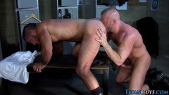 Big Mascular Guys Barebacking In The Locker Room