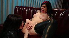 Alt babe Joanna Angel gets her twat fingered and licked
