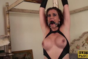 Dirty mom bound and squirting
