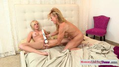 Stepmom and daughter in lesbian action