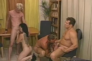 Tattooed Brunette Having Foursome With Bisexuals