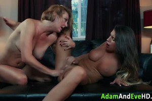 Milf and brunette babes playing
