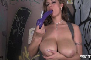 Eva Notty Preparing Her Juicy Pussy With Toys