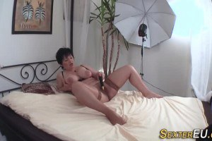 German mature pleasures herself before sucking dick