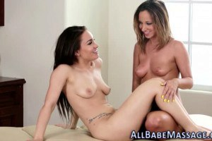 Jada Stevens makes Gabriella Paltrova climax after the massage