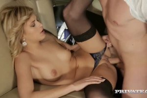 VIP blonde Ria Sunn sucks dick and gets pussyfucked in the back o a limo