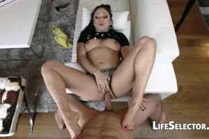 Interactive POV sex with the hot babe Lea Lexxis