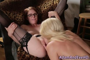 Stockings redhead with glasses pussyeaten by her blonde friend