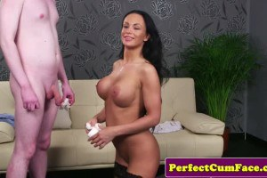 Sublime glam brunette in stockings takes facial from geek