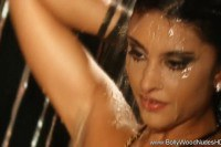 Tempting Indian MILF takes a long passionate shower
