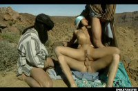 Mafalda gets double penetrated in the dessert by Bedouins