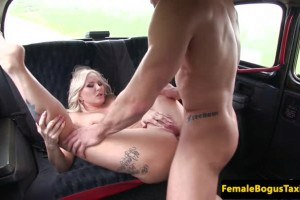 Tattooed cab driver with big melons assfucked on the backseat