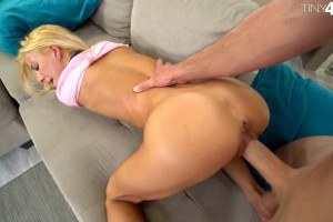 Kenzie Reeves blonde cockaholick gets fucked like in her wildest fantasies