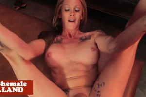 Tattoo trans hottie point of view screwed by bartender