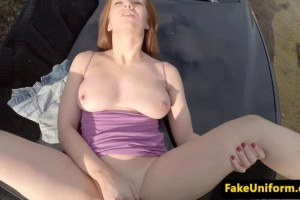 Officer pussyfucks redheaded damsel in distress on roadside