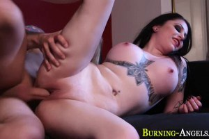 Ophelia Rain busty inked vampire wants this guy's cum
