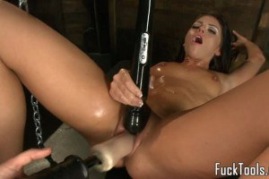 Adriana Chechik large breasted hottie dildos beaver before sybian swing