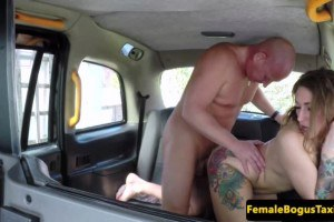 English cabbie blowing passenger after sex