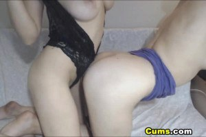 Les duo enjoy some pussy action in front of the webcam