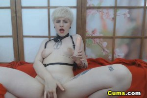 Blonde Russian noob girl with tattoos masturbates on webcam