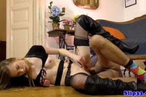 Hot eurobabe in lingerie drilled on the floor by pensioner