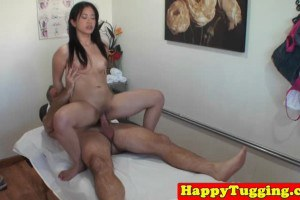 Real bigtits japanese blows dick during masseuse