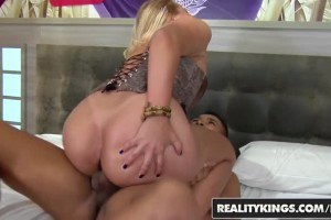 Pussylicked Brazilian blonde enjoys a big cock inside her vag
