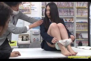 Morikawa Suzuka surrenders her pussy at the office after boss insists