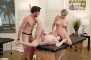 Dee Williams enjoys a threeway massage with stepdaughter Vienna Rose